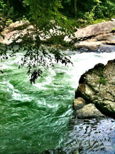 sungai-lhok-ugop-kumba-dari-jarak-dekat-detiik-wordpress-com